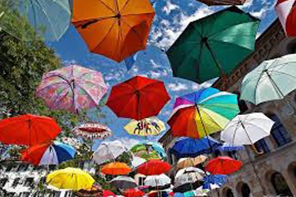 Bedruckte Schirme: Ideale Werbeträger